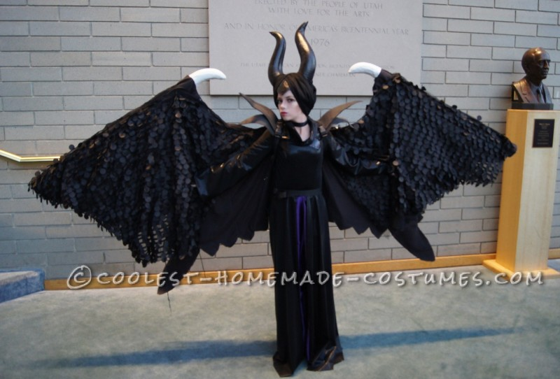 Magnificent Maleficent Costume with Retracable Wings - 1