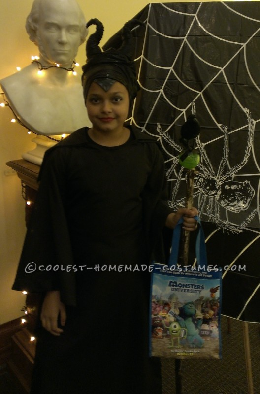 Homemade Maleficent Costume for a Child - 2