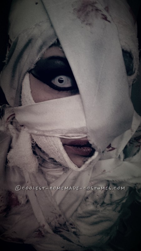 Cool Last Minute Mummy Costume for a Woman - 2