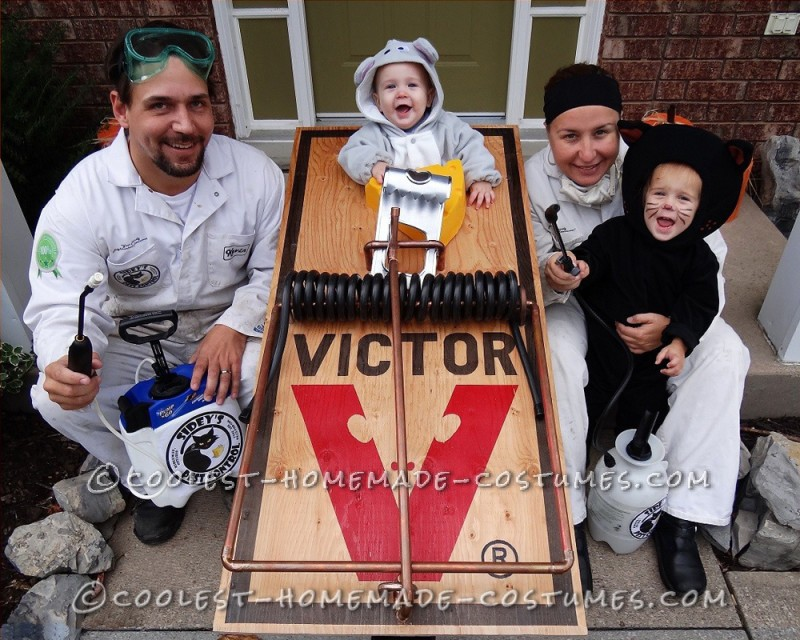 Coolest Pest Control Family Costume – Catch that Mouse!