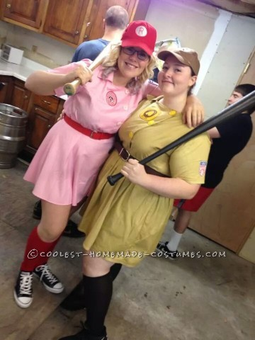 Racine Belles Baseball Couple Costumes - A League of Their Own