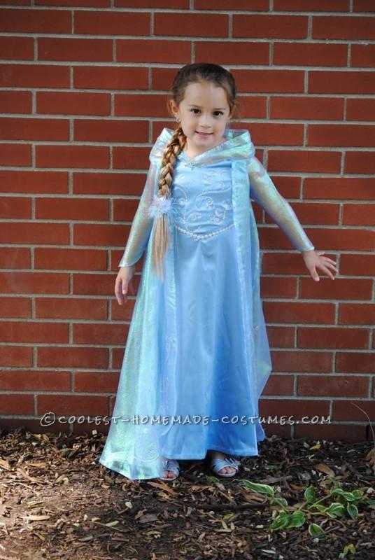 Hallie as Elsa
