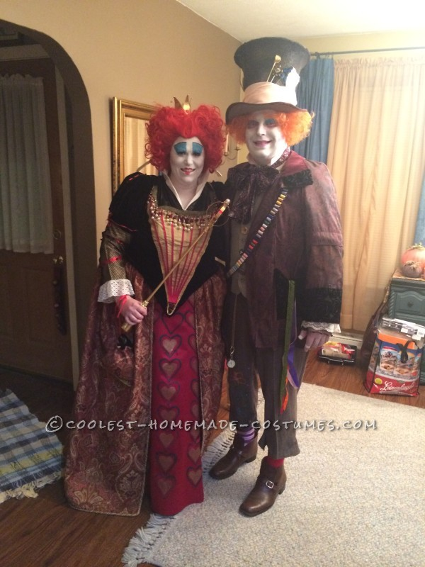 3feb9879392 Great Red Queen and Mad Hatter Couple Costume