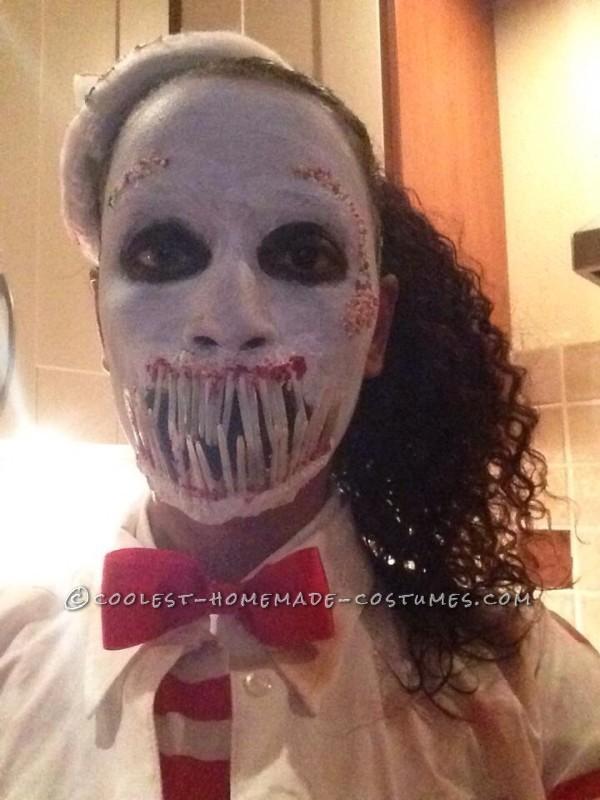 Creepy Zombie Ice Cream Man Costume for a Woman - 1