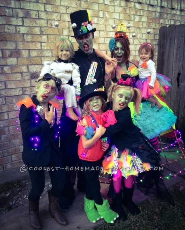 Coolest Family Costume Tales of a Steampunk Alien Invasion - 8
