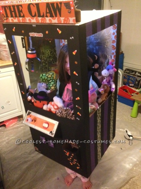 Cool Claw Machine Costume for a Girl - 2