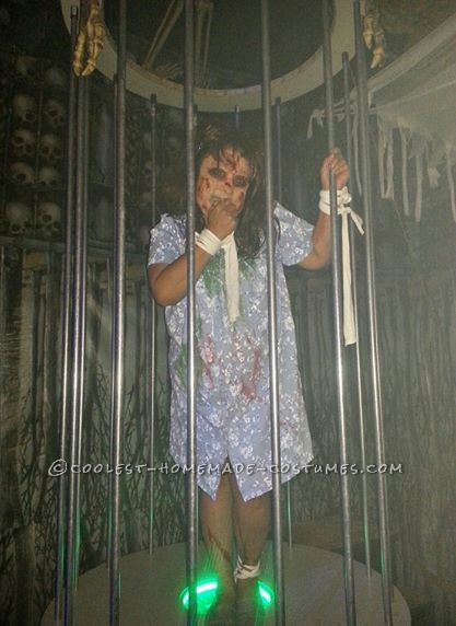 Creepy Exorcist Couple Costume - 1