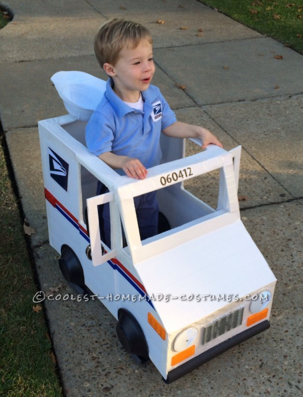 Coolest Mailman and Mail Delivery Truck Costume - 4
