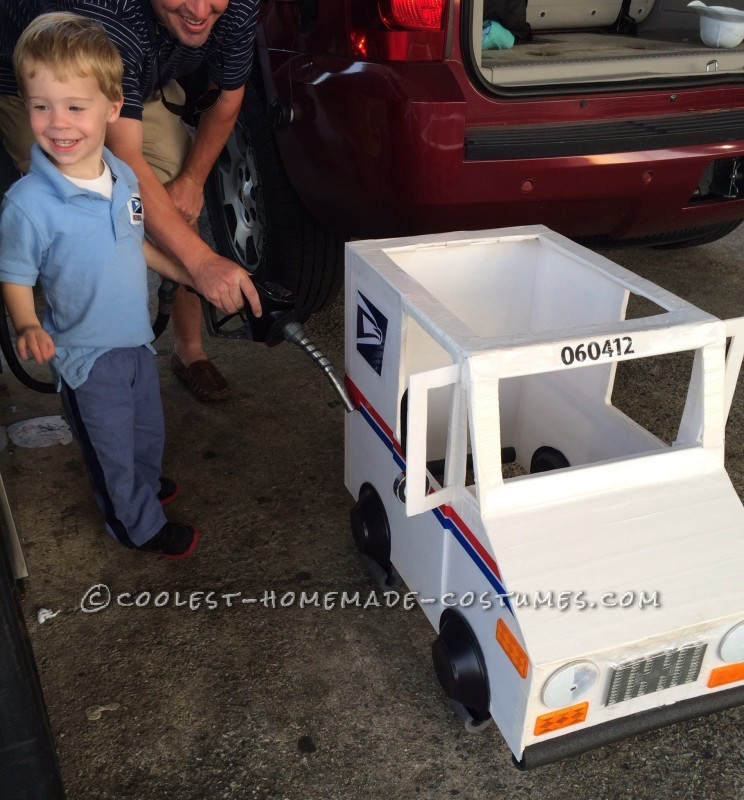 Coolest Mailman and Mail Delivery Truck Costume - 5