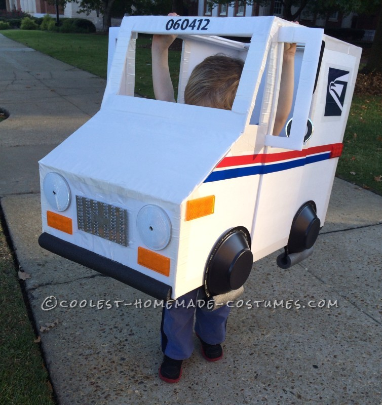 Coolest Mailman and Mail Delivery Truck Costume - 6