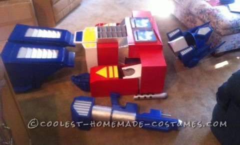 Realistic Transformers Optimus Prime Costume