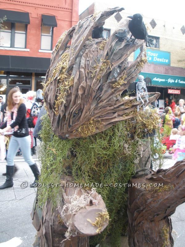 Cool Walking Tree Costume on Stilts - 4