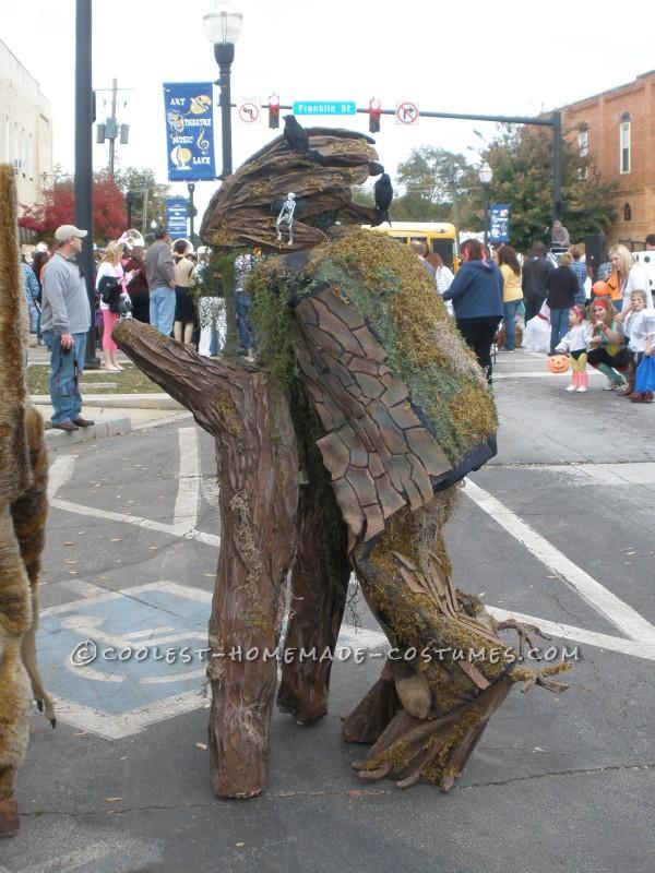 Cool Walking Tree Costume on Stilts - 1