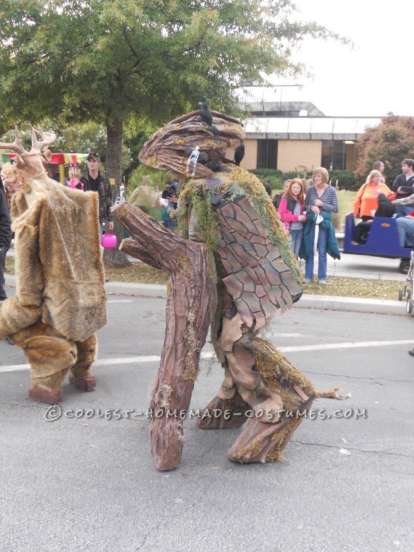 Cool Walking Tree Costume on Stilts - 3