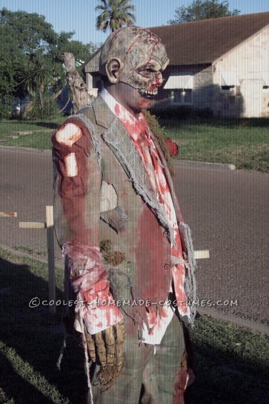 Cool Homemade Zombie Costume - 1