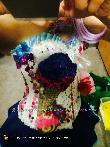 Cool Homemade Katy Perry Candyland Costume - 2
