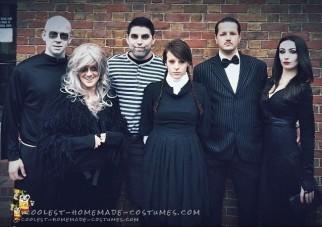Cool Morticia and Gomez Addams Couple Costume
