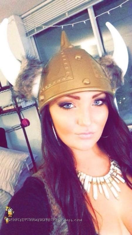 Cute DIY Viking Costume for a Woman