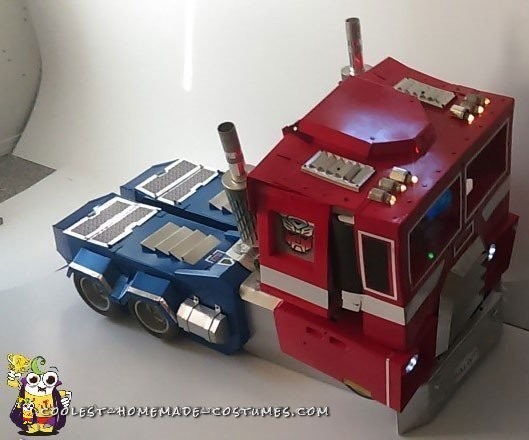Cool Optimus Prime Costume with Light-Up Matrix