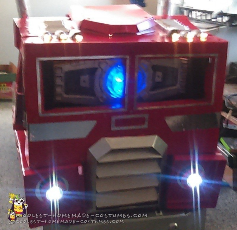 Cool Optimus Prime Costume with Light-Up Matrix