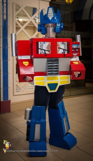 Coolest G1 Optimus Prime Costume