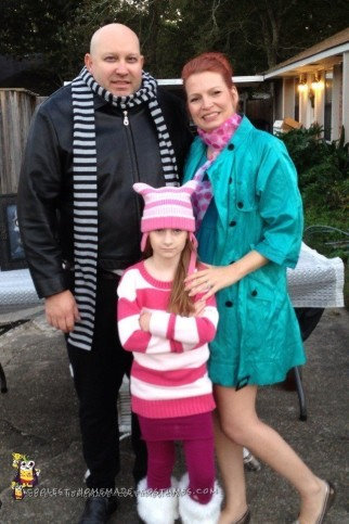 Despicable Me Family Halloween Costume Idea
