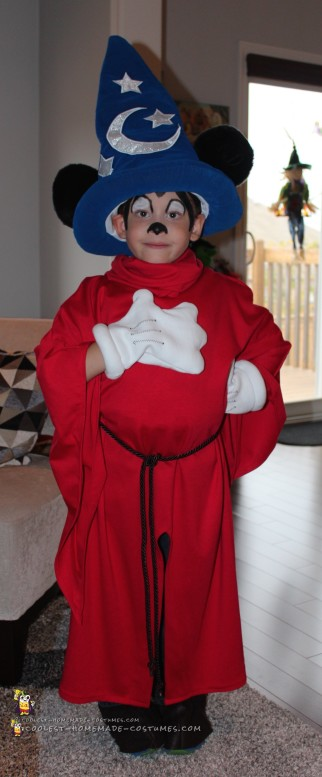 Sorcerer Mickey Mouse Costume for a Boy
