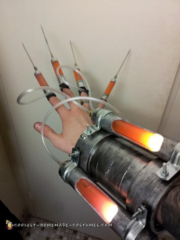 Injector glove