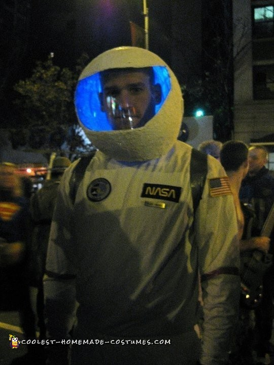 Astronaut Costumes for a Couple - 2