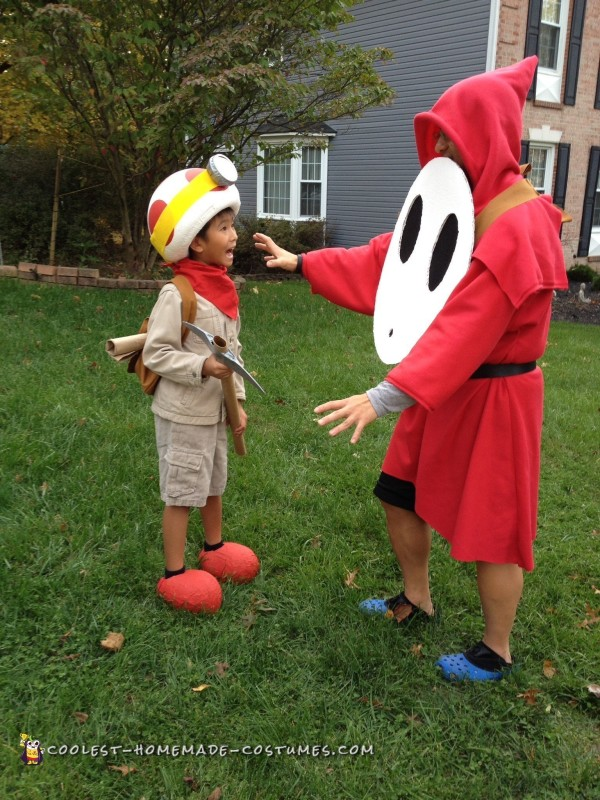 Cool Mario Brothers Costumes: Captain Toad, Toadette and Shy Guy - 4