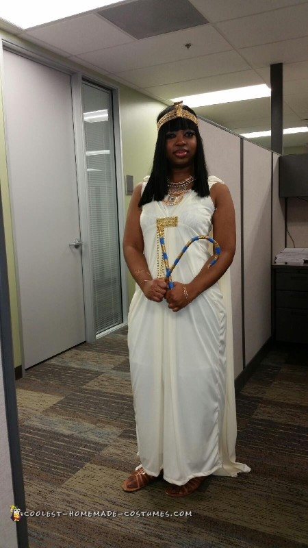 Cleopatra works in an office, who knew