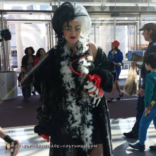 Cruella De Vil Costume - Just Like the Cartoon!