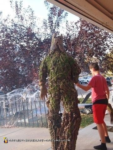 Earth-Made Groot Costume - 2