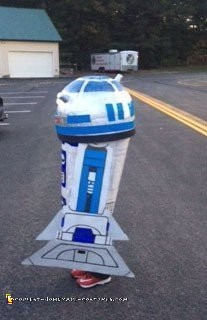 Awesome Quick and Easy R2D2 Costume