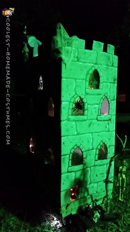 Coolest Kid's Haunted Castle Costume - 4