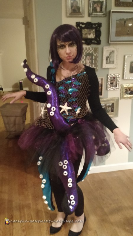 elaborate octopus costume. Black Bedroom Furniture Sets. Home Design Ideas