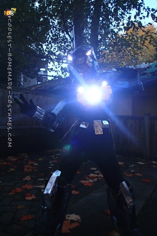 Futuristic Robot Costume - 2