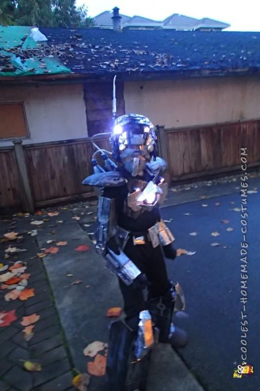 Futuristic Robot Costume - 3