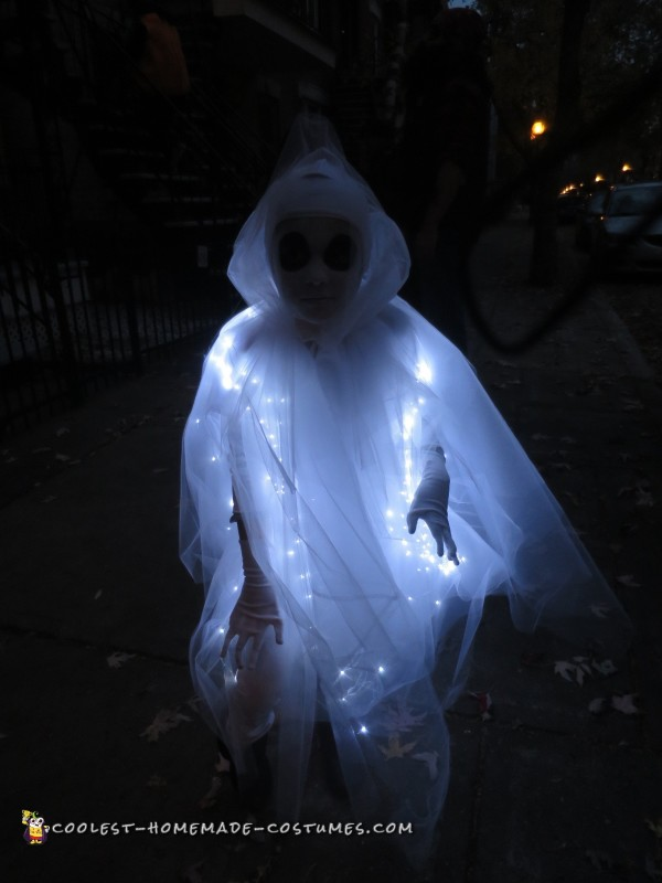 Glowing Ghost Costume for a Child - 2