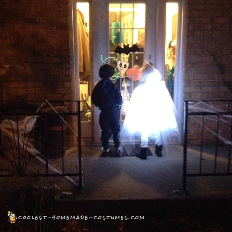 Glowing Ghost Costume for a Child - 3