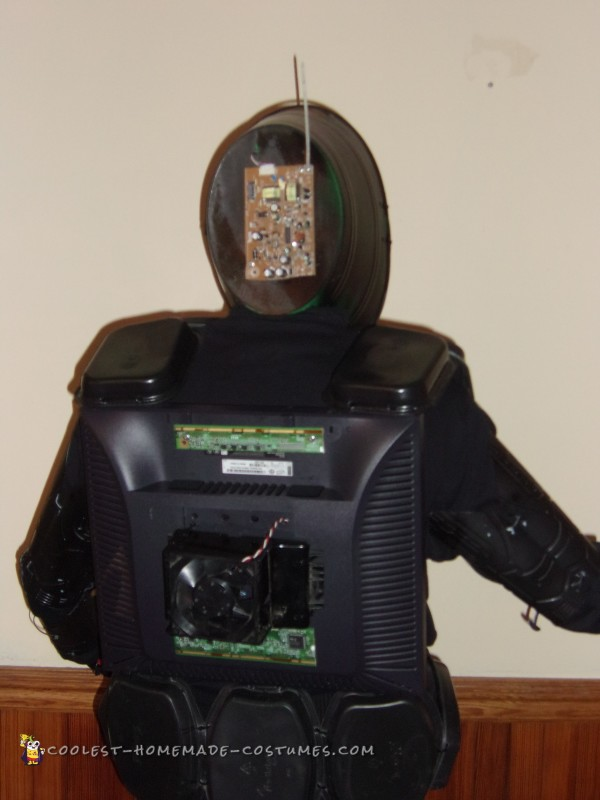 Cool DIY Robot Costume