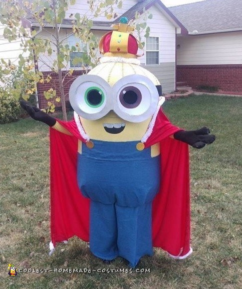 Amazing DIY King Bob Minion Costume
