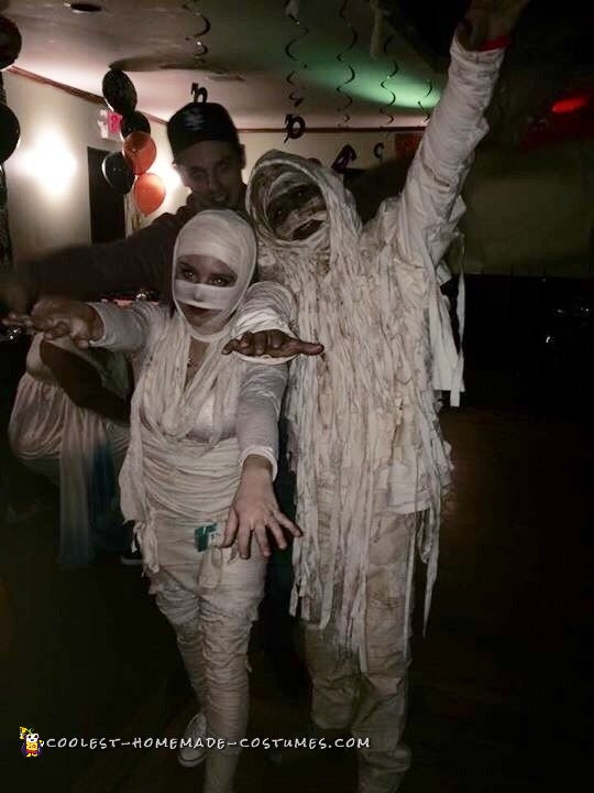 Mummy Madness Couple Costume - 1
