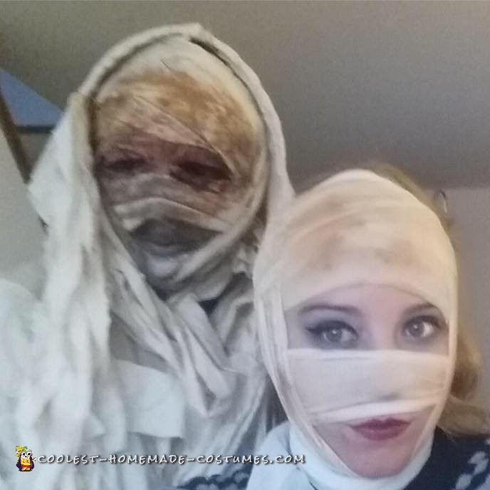 Mummy Madness Couple Costume - 3