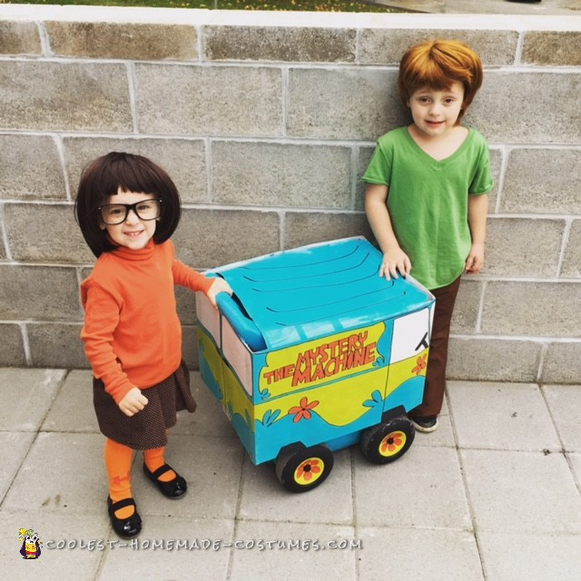 Shaggy and Velma Couple Costume with the Mystery Machine