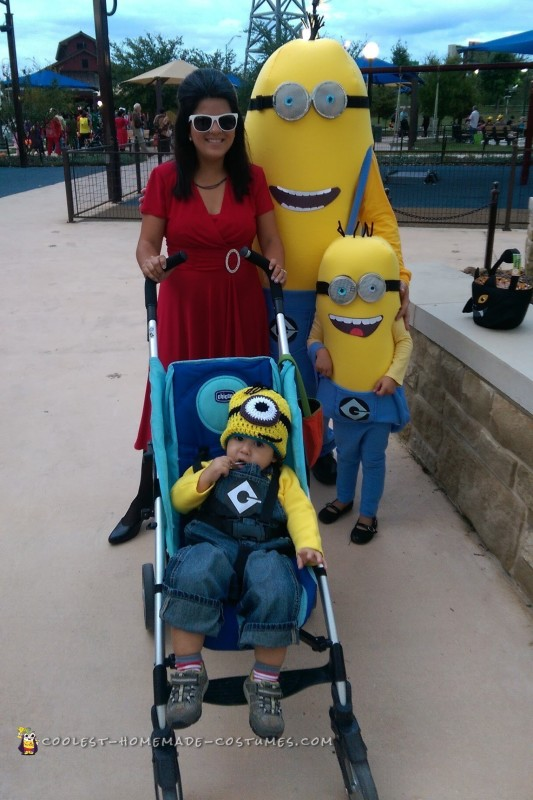 The Best Minions Costumes with Scarlett Overkill - 1