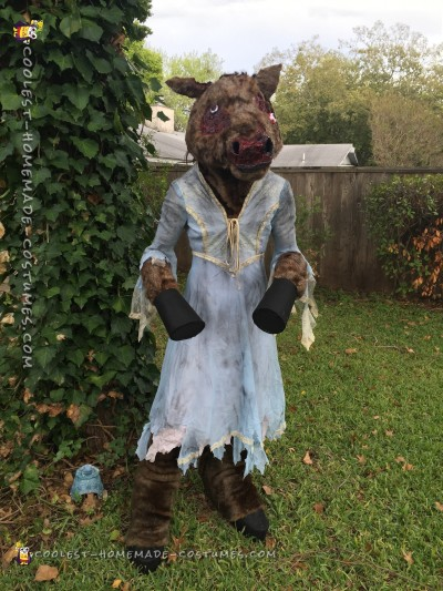 Urban Legend Comes to Life: Creepy Donkey Lady Costume