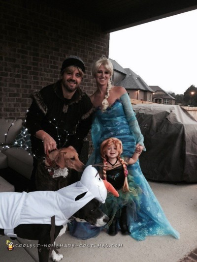 Coolest Ever Frozen Family Costumes