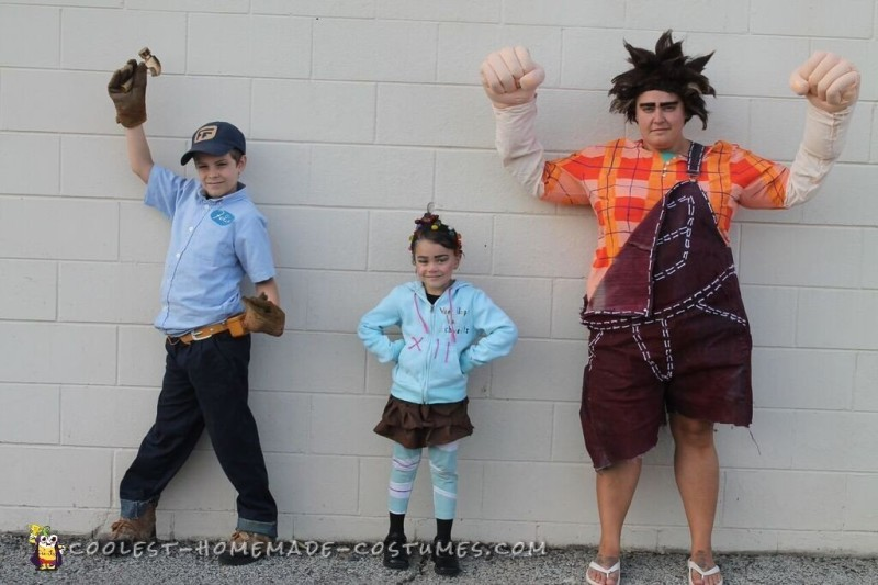 Cool Wreck-it Ralph Family Costumes - 1