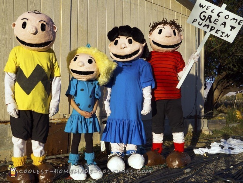 Greetings from the Peanuts gang